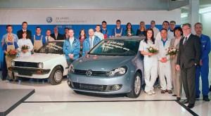 Am 21. Mai 1990 verließ ein alpinweißer Polo Steilheck mit 1,3-Liter-Motor (40 kW) als erstes Fahrzeug mit Volkswagen Logo die Zwickauer Montagehalle