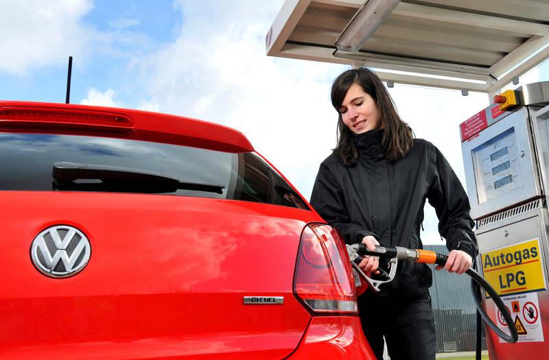 Polo BiFuel: Neuer Motor schafft bis zu 1.400 km mit einer Tankfüllung