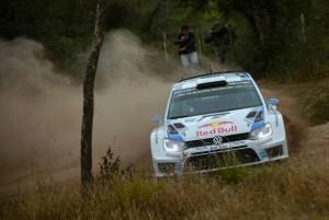 Weltmeister Sébastien Ogier gewinnt Auftaktprüfung im Polo R WRC